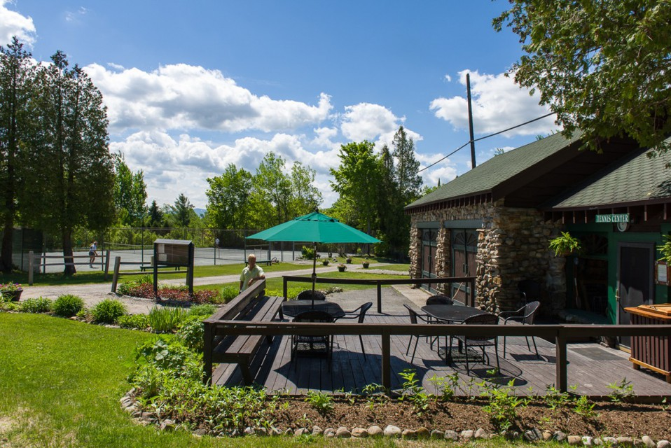 6 clay court tennis center at Whiteface Club & Resort!