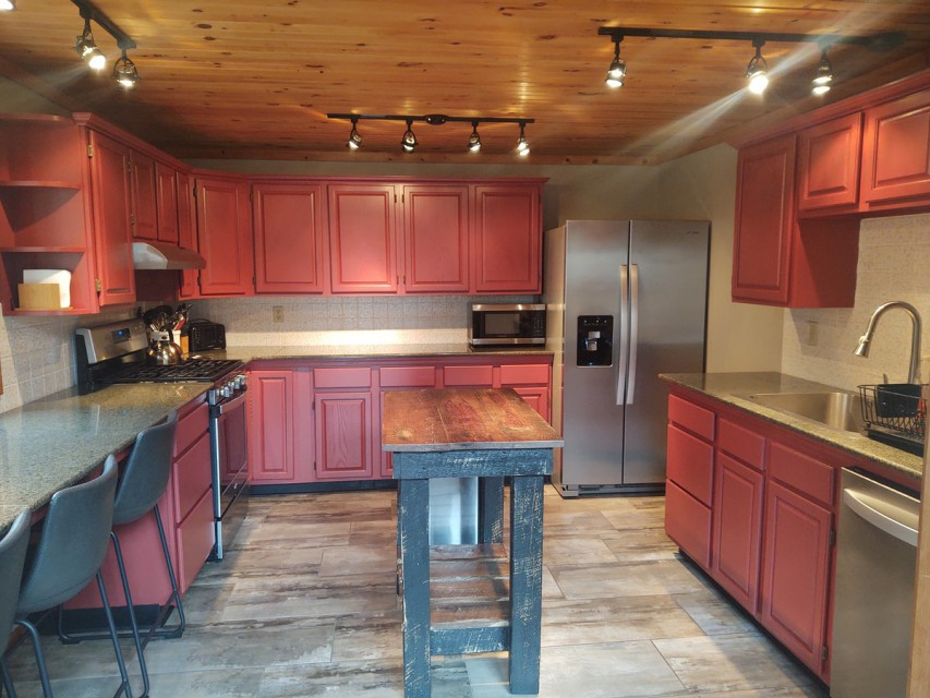 Full Kitchen has everything you need!
